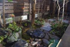 石敷きの庭