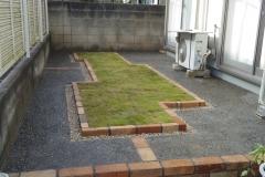 芝生本位の庭